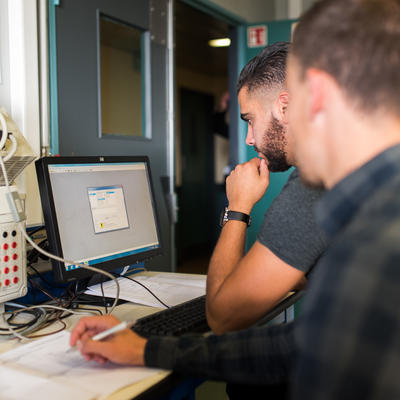 SCHNEIDER ELECTRIC : Intégrer un automate TSX (PL7Pro) dans un système automatisé
