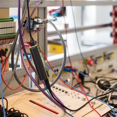 Métiers de l'Electricité et de l'Energie, Spé. Chargé(e) d'Affaires en Ingénierie Electrique (Licence CAIE)
