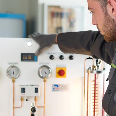 Assurer la conduite des machines frigorifiques