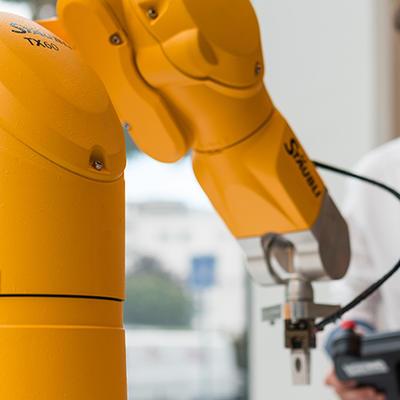 Programmation robot STÄUBLI