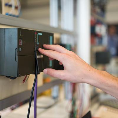 SIEMENS : Dépanner un système piloté par un automate S7-300 (STEP7 - Simatic Manager)