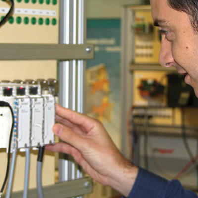 DEPANNER un système piloté par un automate Schneider Electric TSX (PL7Pro)