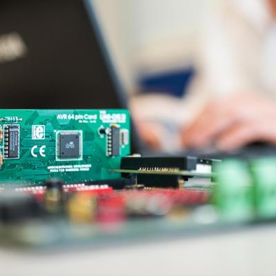 Electronique perfectionnement : Intégrer, dépanner ou régler des cartes électroniques