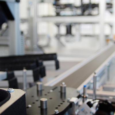 Réaliser des réglages mécaniques sur une installation de production automatisée