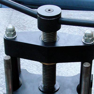 Ajuster et assembler des pièces mécaniques