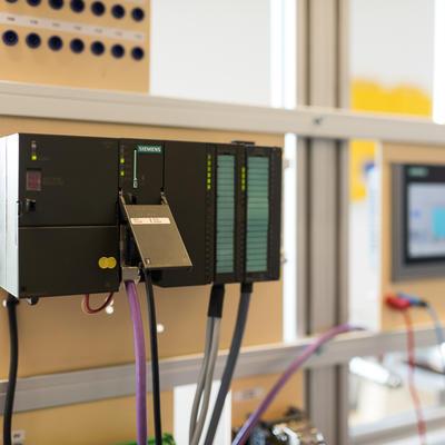 SIEMENS : Intégrer un automate S7-300 (STEP7 - Simatic Manager) dans un système